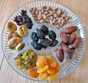 Raw nuts and dried fruit make a healthy snack